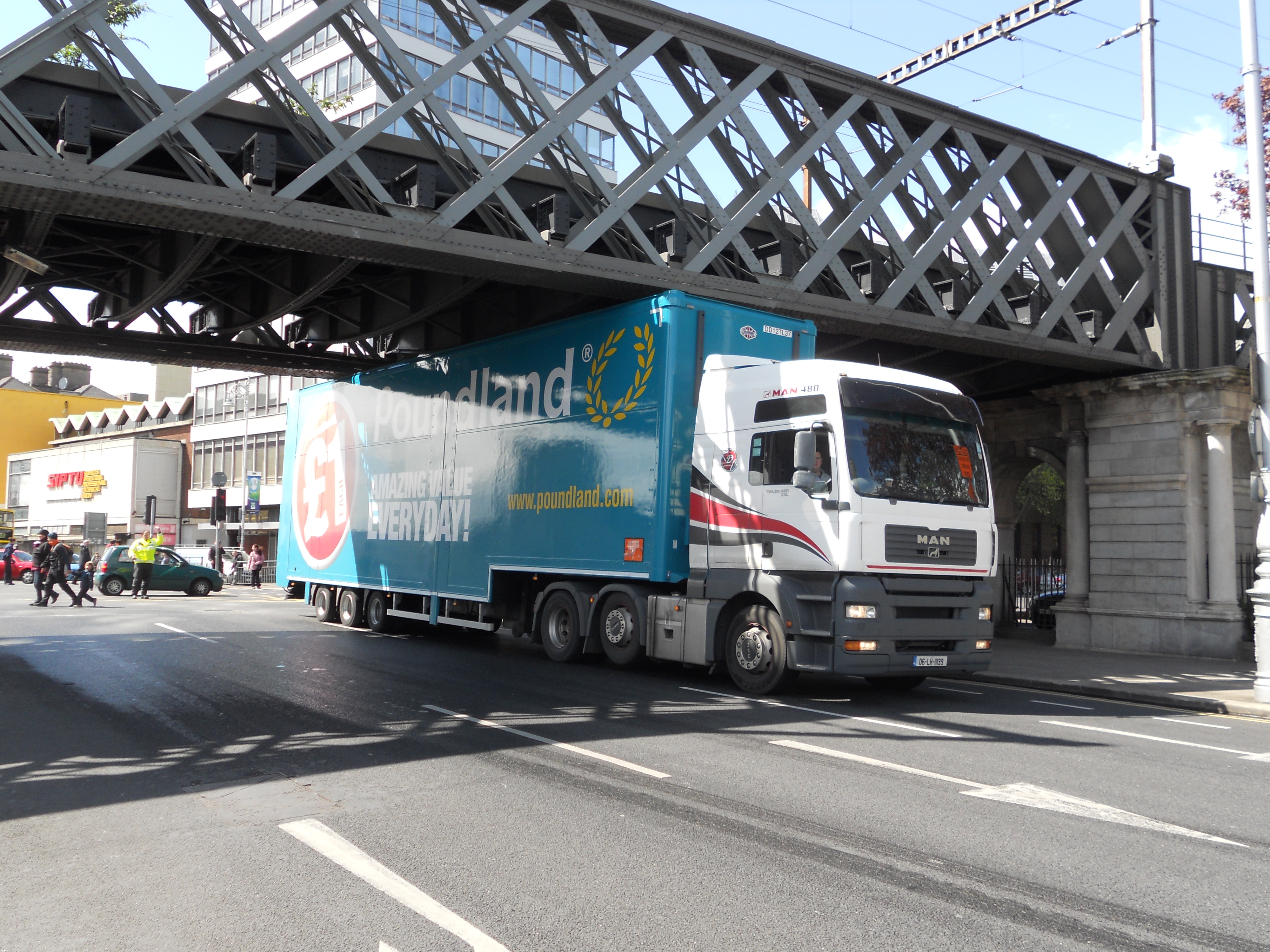 Lorry hitting railway bridge